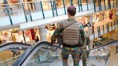 Detenido en Bruselas un hombre que podría tener un cinturón de explosivos