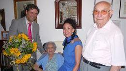 La Caixa rinde homenaje a la centenaria de Campos
