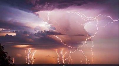 98 muertos en la India por una tormenta de rayos