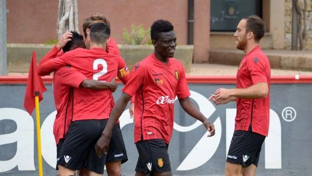 Baba Mohammed y Stephen Kwabena ya son jugadores del Mallorca