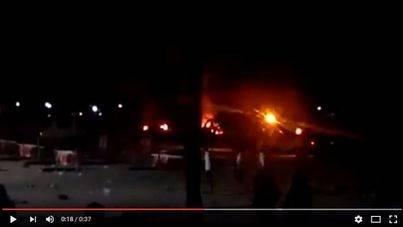 Arden una decena de sombrillas de la playa de S'Arenal