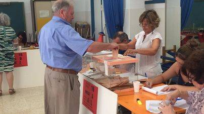Normalidad en todos los colegios electorales de Balears
