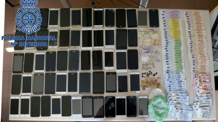 6 detenidos en Ciutadella por rajar bolsos para robar móviles en Sant Joan