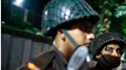 Un grupo armado ataca un restaurante de Bangladesh