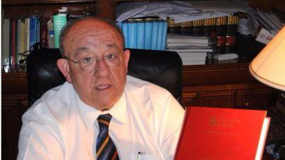 José Luis Navas García publica su libro 'Pilotos de líneas aéreas'