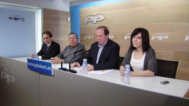 Rodríguez, Gijón y Fernández dimiten de sus cargos en el PP