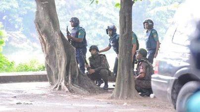 Dos detenidos por su presunta relación con el ataque en Dacca