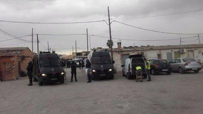 Fuerte operación contra el narcotráfico en 4 barrios de Palma con agentes llegados de la península