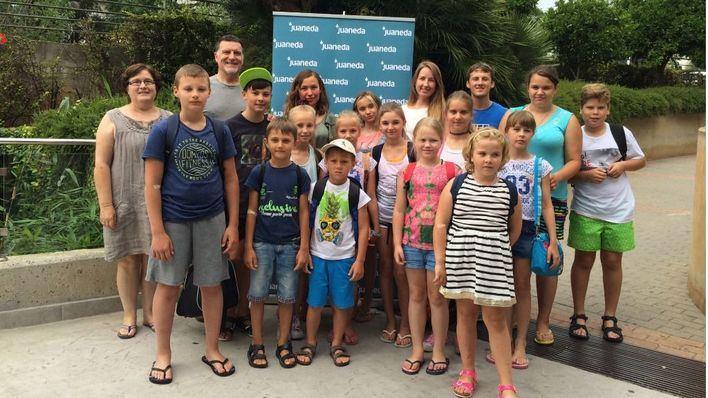 Juaneda se compromote con los niños rusos de acogida en Mallorca