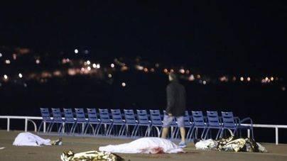 84 muertos en Niza en un atentado terrorista con un camión