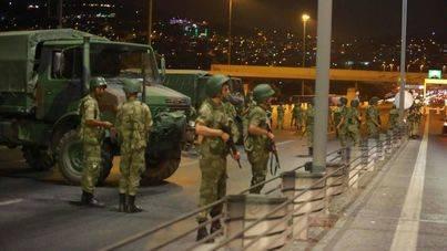 Fracasa el golpe de Estado en Turquía con 265 muertos y 2.900 detenidos