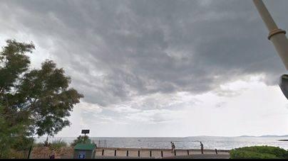Emaya mantiene cerrada la playa de Son Caios por aguas fecales