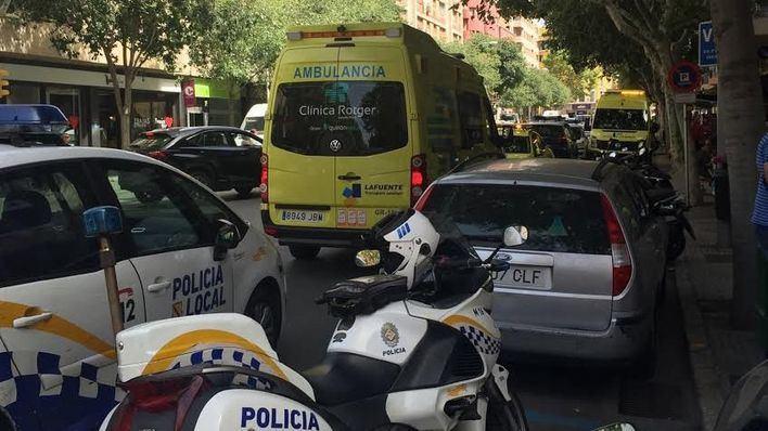 Un trabajador se precipita desde un andamio en Palma