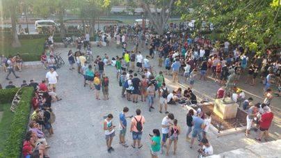 500 personas se juntan en Palma para ir a la caza de los pokémons