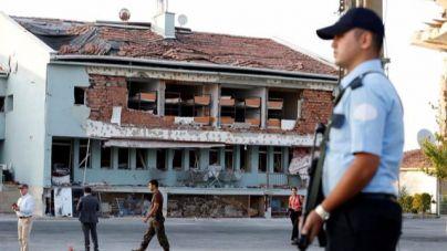 Amnistía denuncia torturas a detenidos tras el golpe de Estado en Turquía