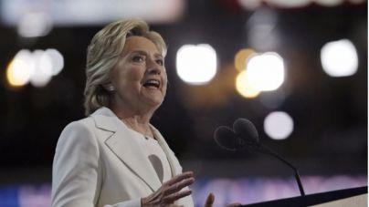 Clinton acusa a Rusia de robar información del Partido Demócrata