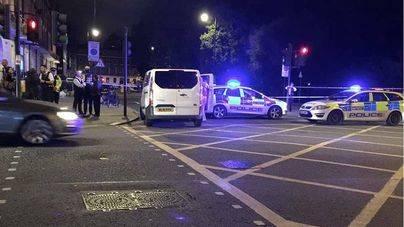 Un muerto y 5 heridos en un apuñalamiento múltiple en Londres