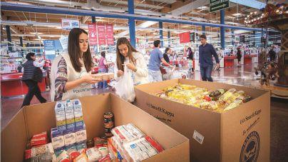 Eroski y sus clientes donan 2.900 toneladas de alimentos