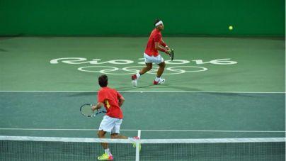 Nadal y López rozan la medalla