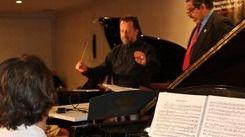 Un niño español se convierte en el director de orquesta más joven del mundo