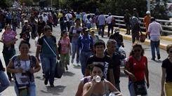 28.000 personas transitan la frontera entre Venezuela y Colombia