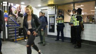 Los londinenses festejan el primer servicio nocturno de metro