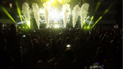 Afrojack llena la noche de Magaluf de música, luz y color