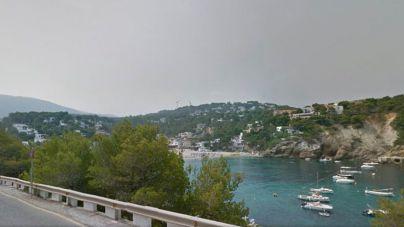 Un taxista pirata agrede con un bate de béisbol a un cliente británico en Eivissa