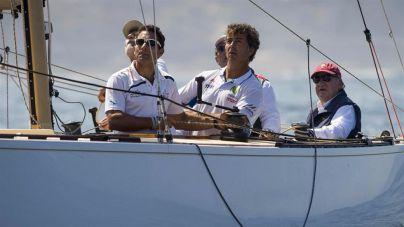 El Rey Juan Carlos vuelve a navegar