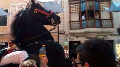 La joven arrollada por un caballo en las fiestas de Maó está en la UCI