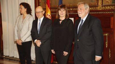 Armengol cita en el Consolat a los grupos parlamentarios para informar de las trabas de Madrid