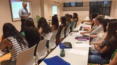 La Facultad de Medicina debuta con 40 alumnos en el aula