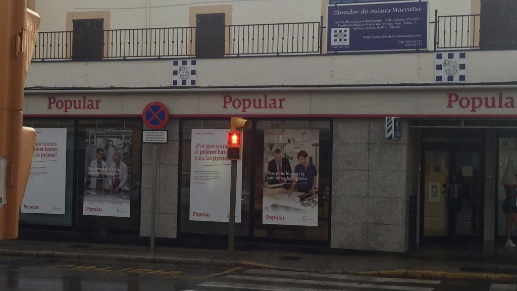 El banco popular planea el cierre de buena parte de sus for Oficinas banco popular pamplona
