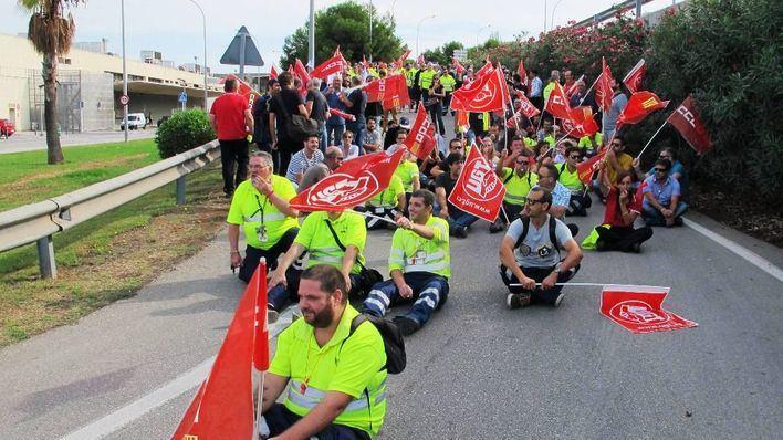 Manifestación frente a la terminal
