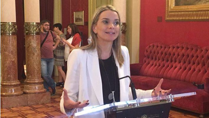 El PP y C's piden la dimisión de Pilar Costa