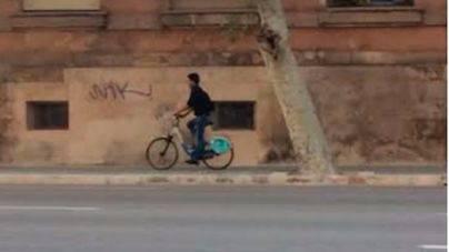 El 95% de los lectores cree que Hila no debe pasar por alto la infracción de Molina con la bici