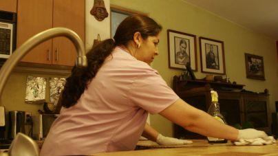 Las empleadas del hogar empeoran sus condiciones laborales