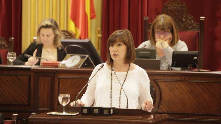 La presidenta del Govern, Francina Armengol, durante una sesión parlamentaria