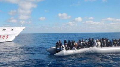 22 muertos y más de 6.000 inmigrantes rescatados en el Mediterráneo