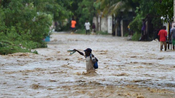 Aumenta a 877 el balance de muertos en Haití tras el paso 'Matthew'