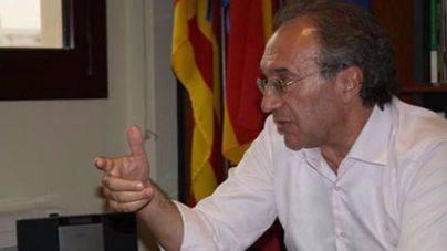 'Prou' pide a Educació que suspenda a la dirección del Anselm Turmeda