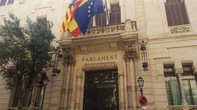 La agresión en un colegio de Palma y los presupuestos llegan al pleno del Parlament