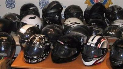 La Policía Nacional recupera más de 40 cascos de moto en Palma