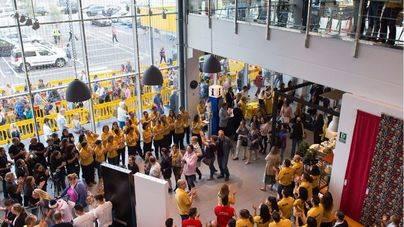 Más de 7.000 clientes visitan Ikea en su inauguración