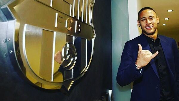 Neymar amplía su contrato con el Barça hasta junio de 2021