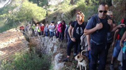 Los participantes de la caminata por los nuevos caminos de uso p�blico