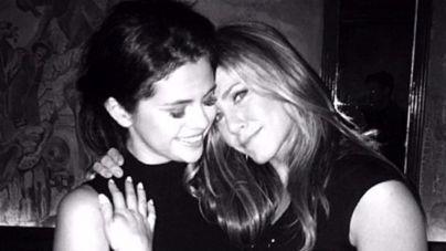 Selena Gómez recibe la visita sorpresa de Jennifer Aniston en rehabilitación