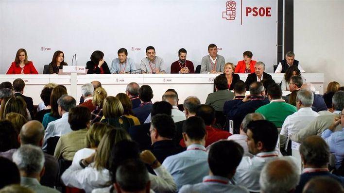 Armegol y otros 7 'barones' del PSOE piden a la gestora que sólo se abstengan 11 diputados