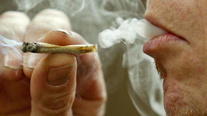 El Parlament estudia legalizar los clubs de cannabis