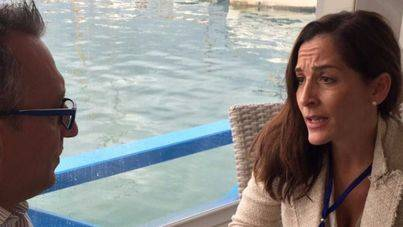 Figuerola atiende a mallorcadiario.com en Menorca